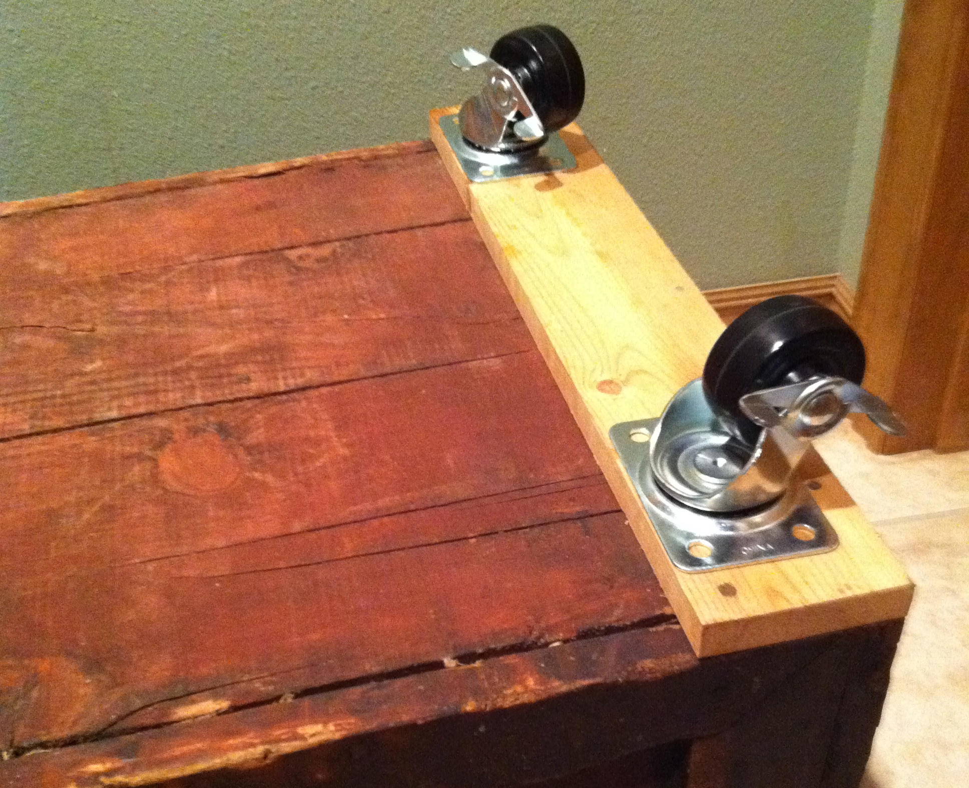 DIY FRIDAY Antique Tin Top Tool Chest Turned Coffee Table