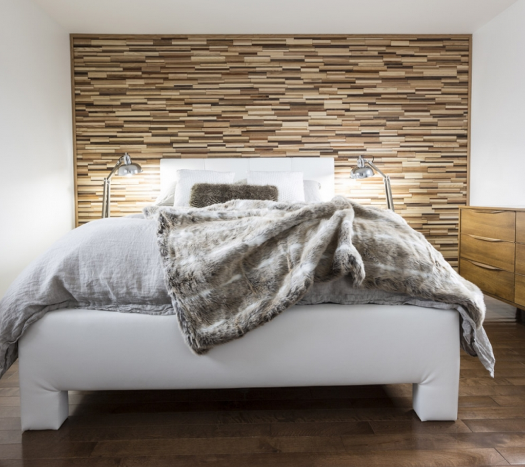 FriendlyWall Bedroom Accent
